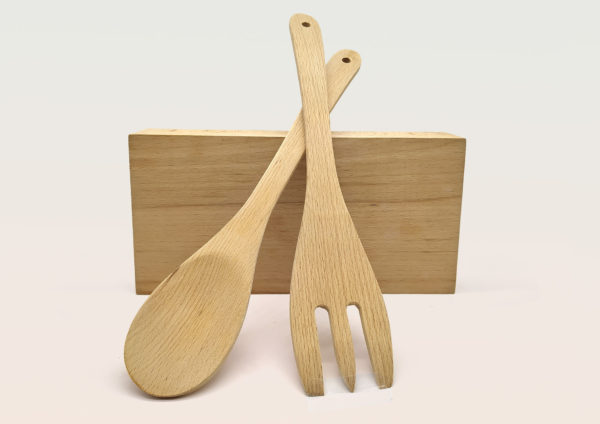 cuchara y tenedor de madera